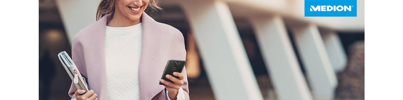 Smartphone_Header_X-Serie_Frau.png